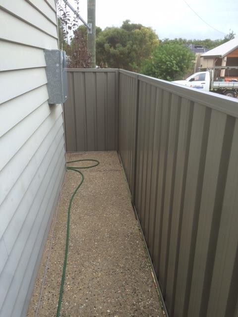 Colourbond fencing installation-Dunsborough-Busselton-Vasse-Quindalup-Eagle Bay-Cowaramup-Margaret River and Yallingup-0418 903 281